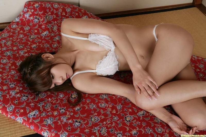 【相川友希グラビア画像】美脚でチンコを踏んで欲しいレースクイーンのスレンダーエロボディ 76