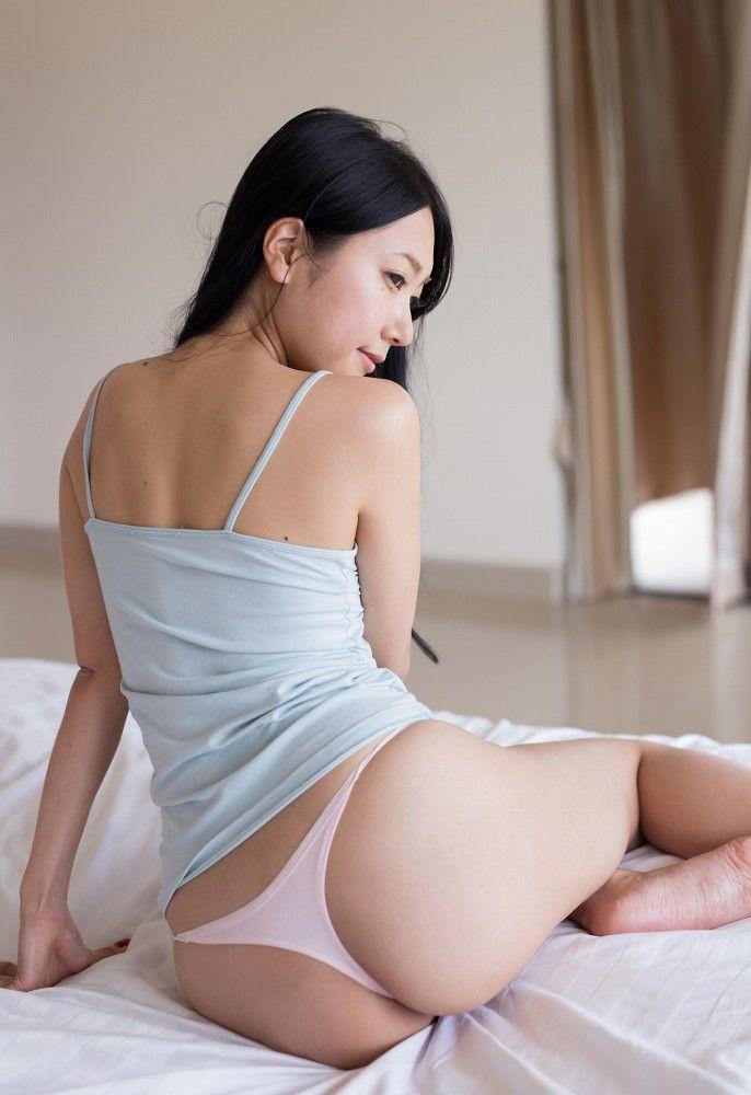 【三田羽衣グラビア画像】Tバックが食い込むエロ尻にザーメンをブッカケたくなる愛人キャラ! 52