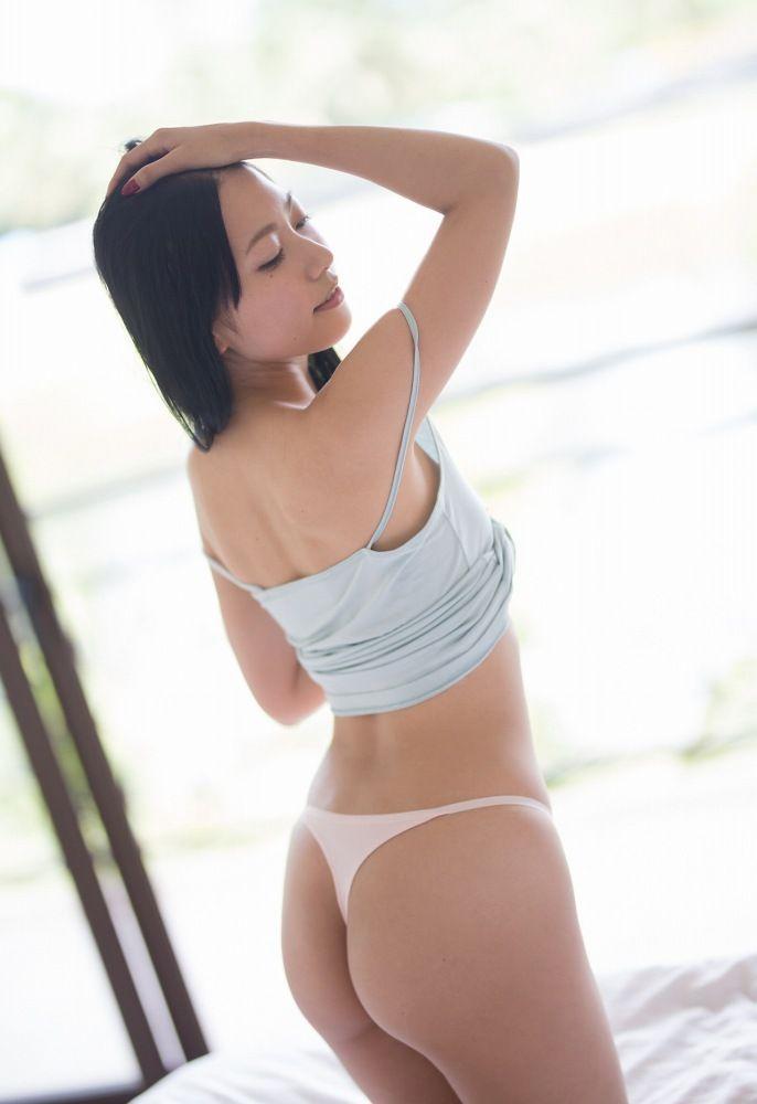 【三田羽衣グラビア画像】Tバックが食い込むエロ尻にザーメンをブッカケたくなる愛人キャラ! 56