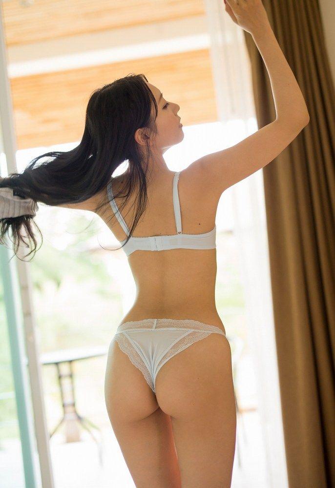 【三田羽衣グラビア画像】Tバックが食い込むエロ尻にザーメンをブッカケたくなる愛人キャラ! 61