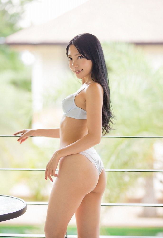 【三田羽衣グラビア画像】Tバックが食い込むエロ尻にザーメンをブッカケたくなる愛人キャラ! 62