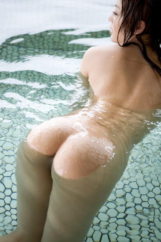【温泉エロ画像】雪の中で美女と混浴する温泉って心も身体もチンコも温まって良いよねw 33