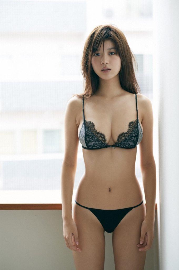 【馬場ふみかグラビア画像】Fカップ巨乳にクビレ腰のスーパー激エロビキニボディ! 46