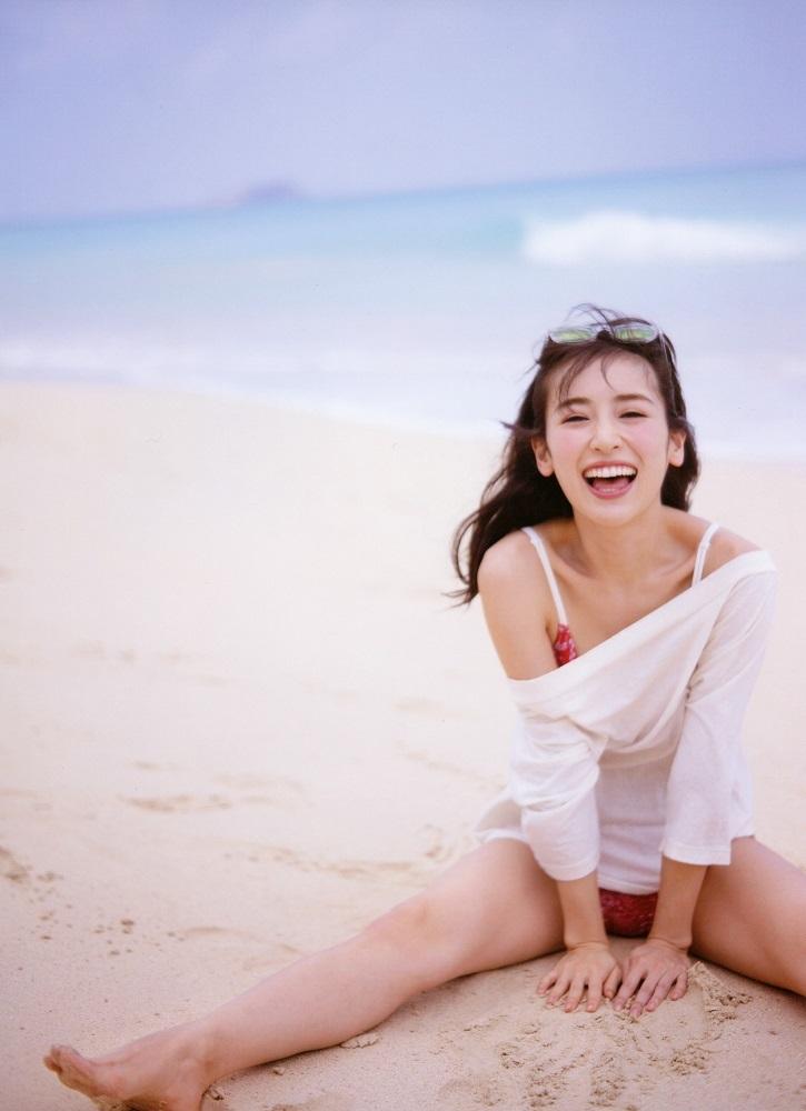 【泉里香グラビア画像】専属ファッションモデルが魅せる美しくエロいビキニ水着姿 45