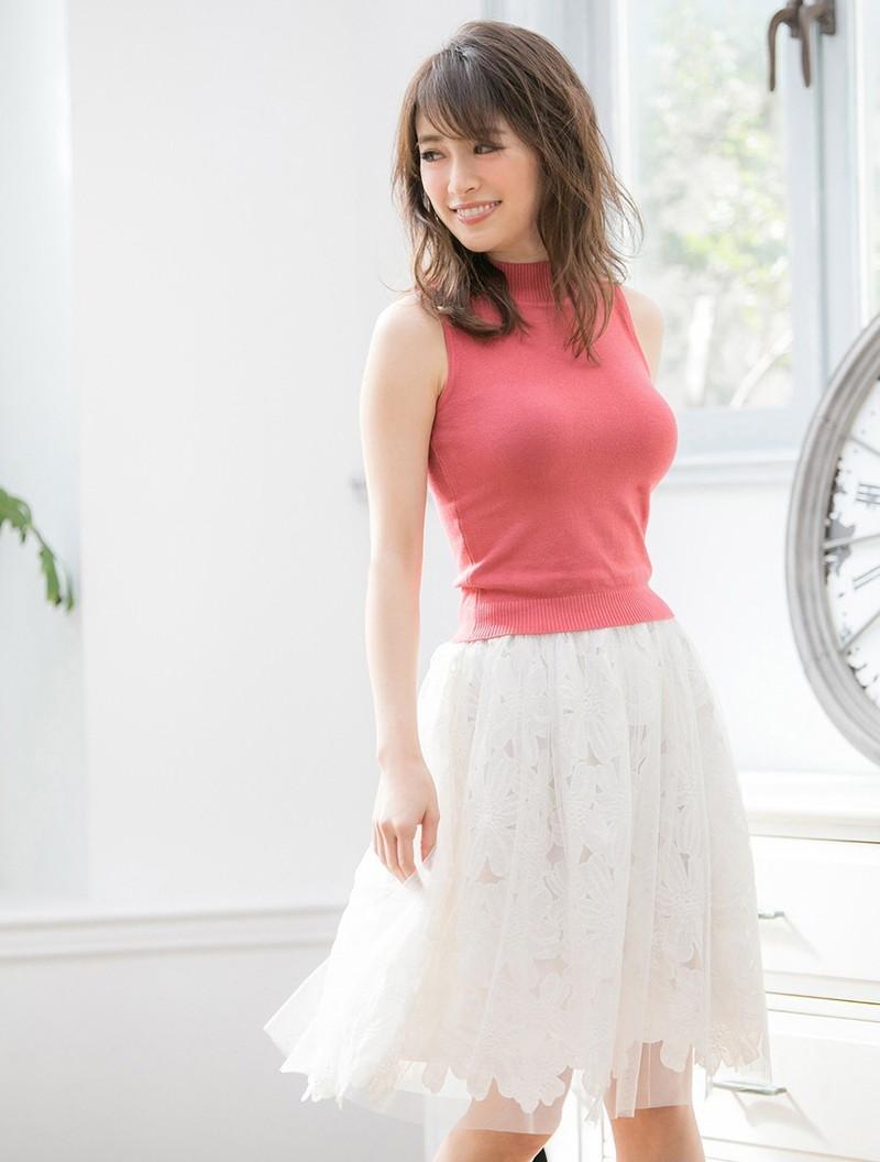 【泉里香グラビア画像】専属ファッションモデルが魅せる美しくエロいビキニ水着姿 66