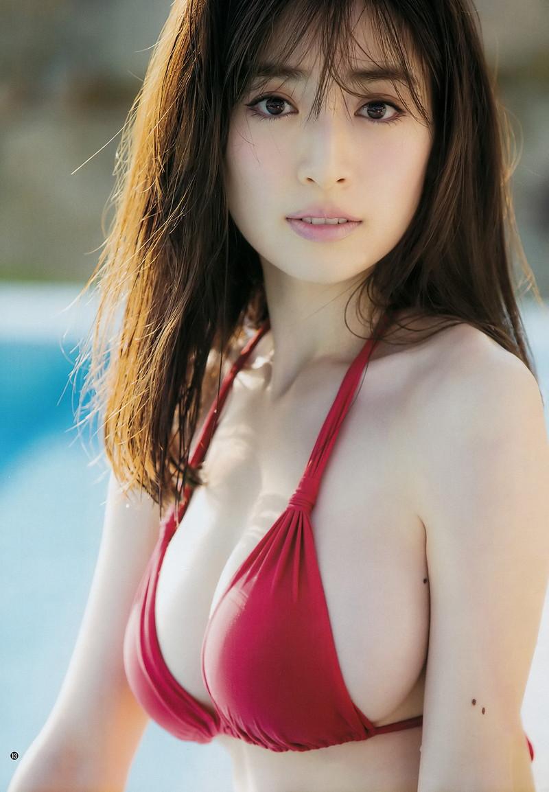 【泉里香グラビア画像】専属ファッションモデルが魅せる美しくエロいビキニ水着姿 73