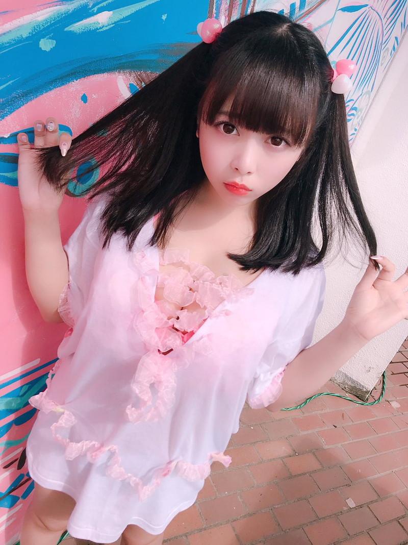 【花宮ことりエロ画像】お姫様チックなドレスが似合いそうな大きなオッパイしてるねぇ! 13