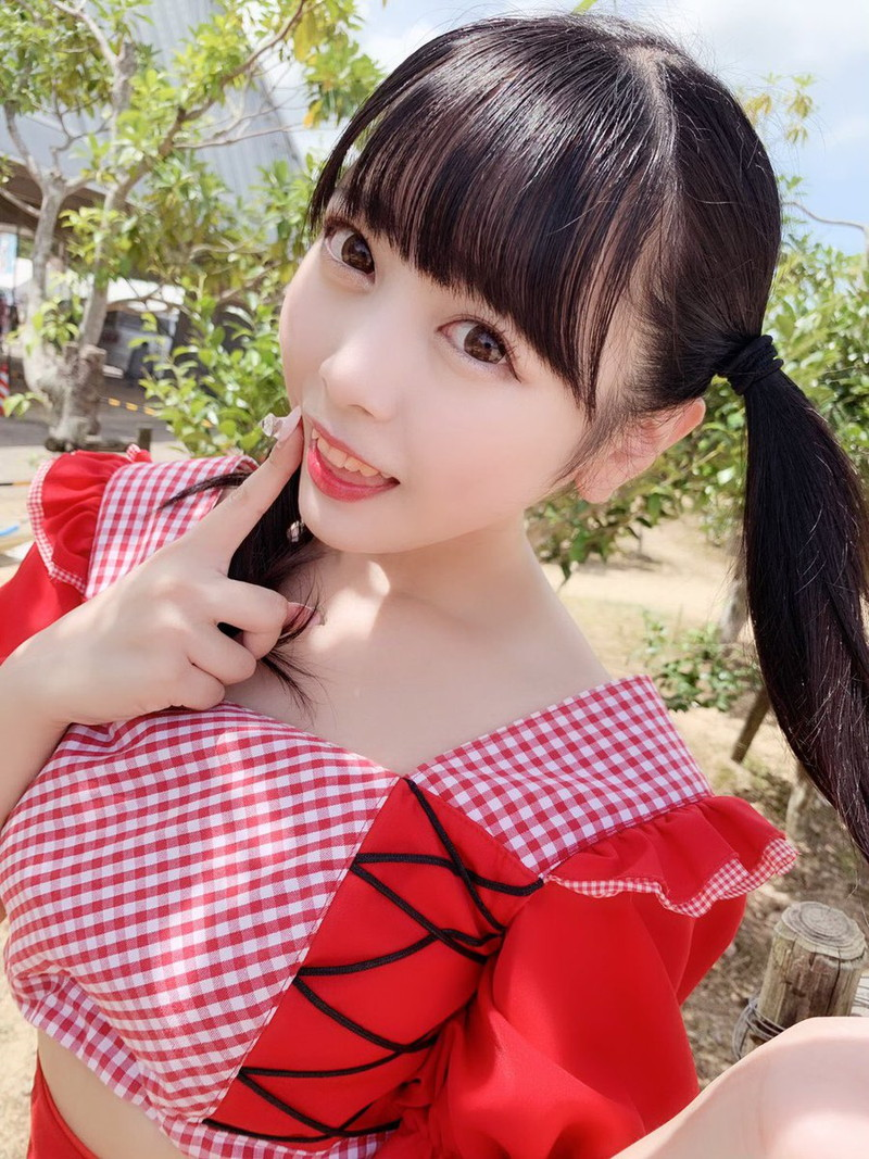 【花宮ことりエロ画像】お姫様チックなドレスが似合いそうな大きなオッパイしてるねぇ! 34
