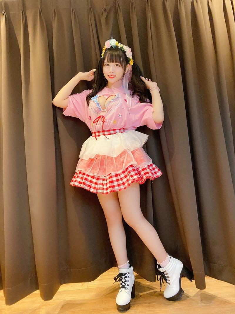 【花宮ことりエロ画像】お姫様チックなドレスが似合いそうな大きなオッパイしてるねぇ! 49