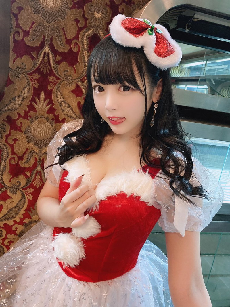 【花宮ことりエロ画像】お姫様チックなドレスが似合いそうな大きなオッパイしてるねぇ! 75