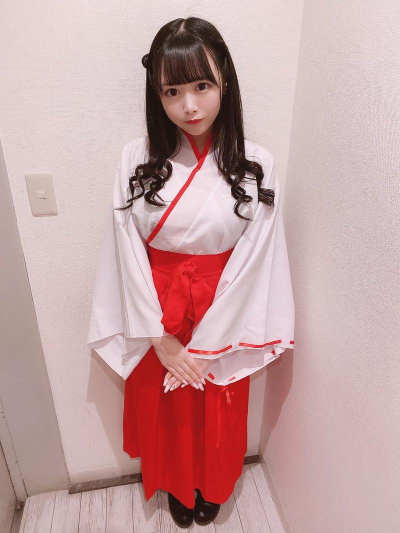 【花宮ことりエロ画像】お姫様チックなドレスが似合いそうな大きなオッパイしてるねぇ! 83