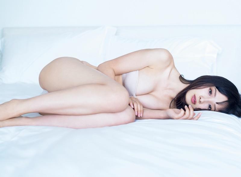 【華村あすかグラビア画像】あどけない表情にセクシーボディのギャップがエロい美女 13
