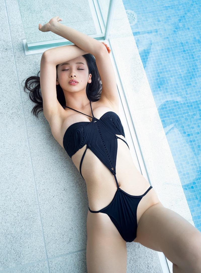 【華村あすかグラビア画像】あどけない表情にセクシーボディのギャップがエロい美女 17