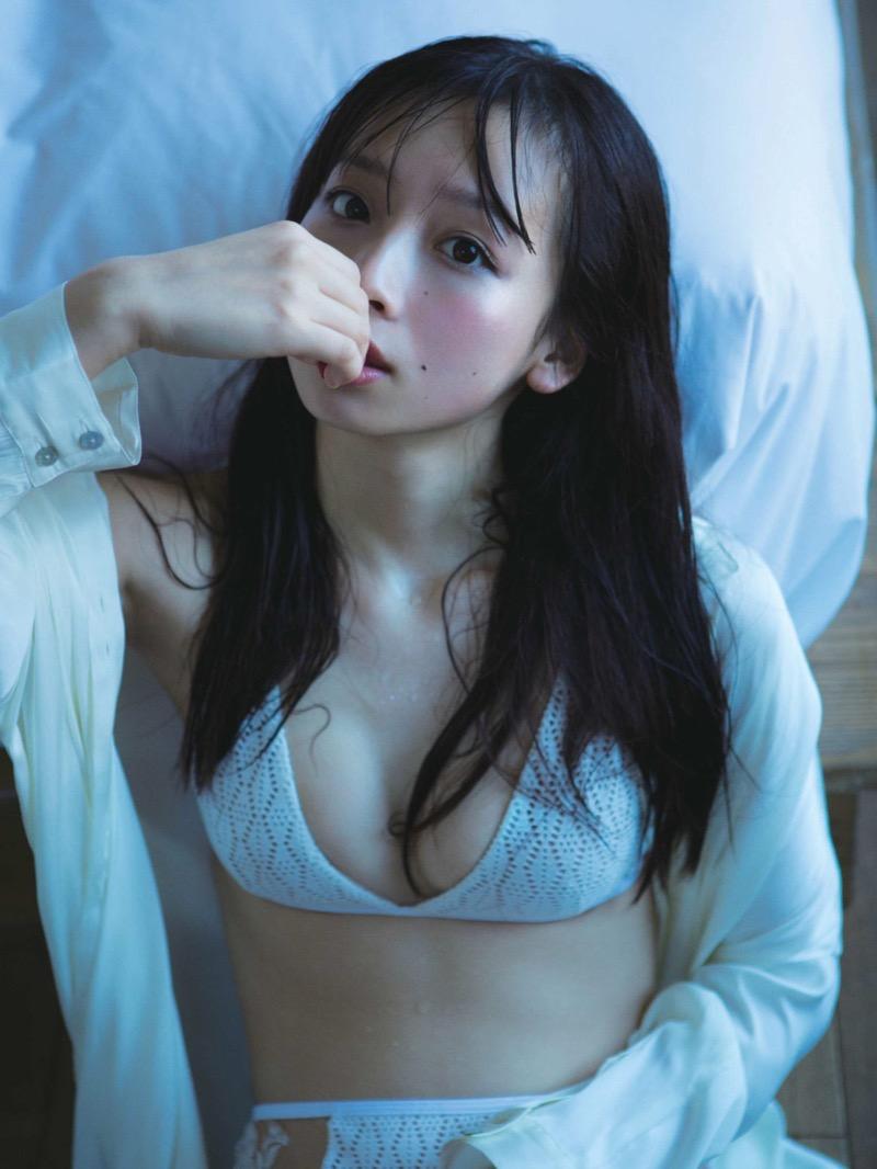 【華村あすかグラビア画像】あどけない表情にセクシーボディのギャップがエロい美女 49