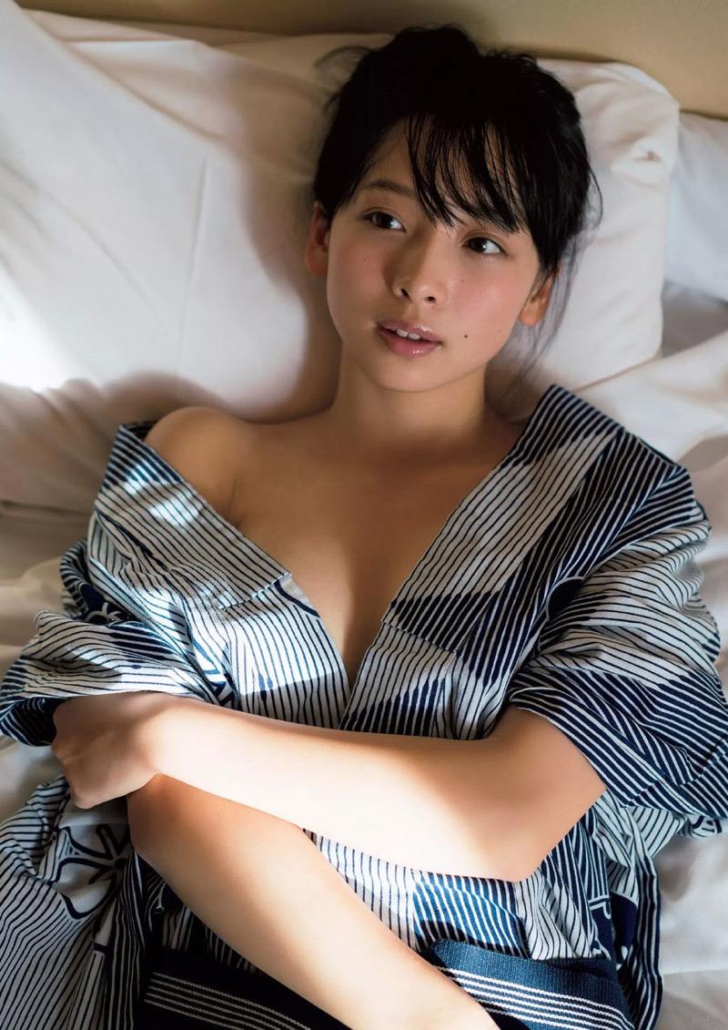 【華村あすかグラビア画像】あどけない表情にセクシーボディのギャップがエロい美女 54