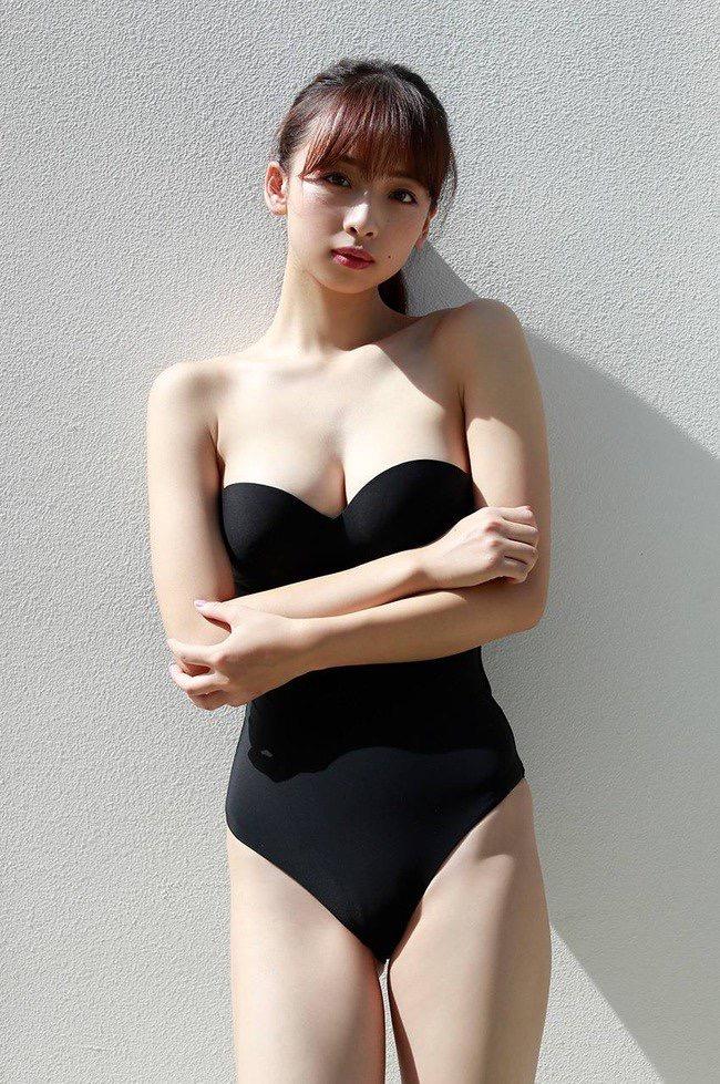 【華村あすかグラビア画像】あどけない表情にセクシーボディのギャップがエロい美女 61