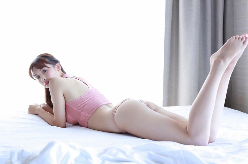【華村あすかグラビア画像】あどけない表情にセクシーボディのギャップがエロい美女 64
