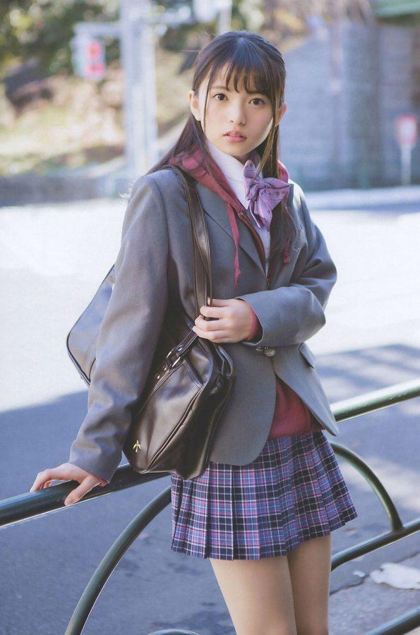 【美少女制服画像】見ているだけで癒やされる美少女アイドルの学校制服姿に萌えた 23