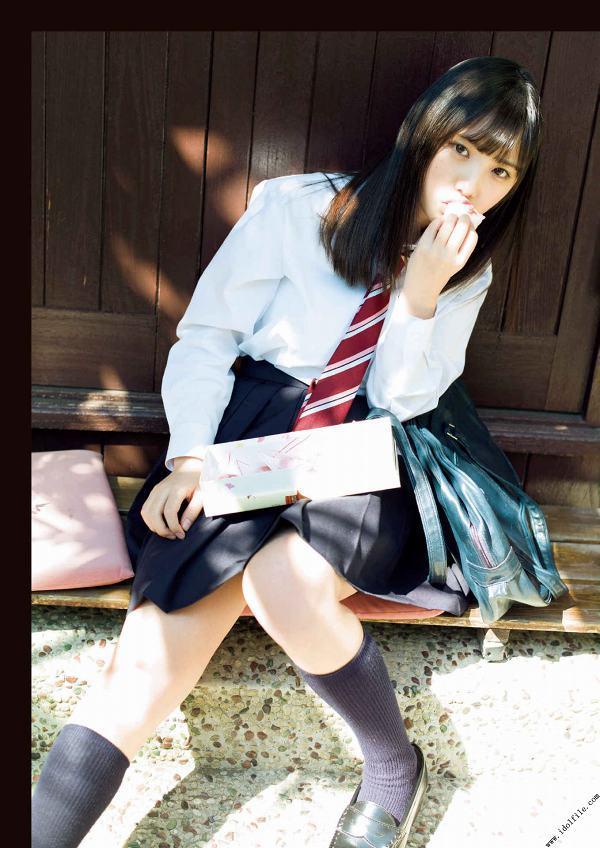 【美少女制服画像】見ているだけで癒やされる美少女アイドルの学校制服姿に萌えた 45
