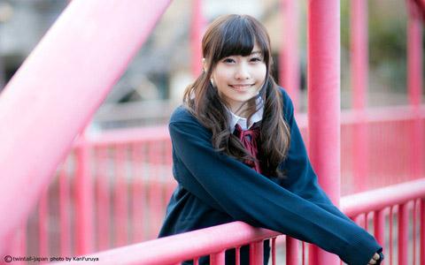 【美少女制服画像】見ているだけで癒やされる美少女アイドルの学校制服姿に萌えた 59