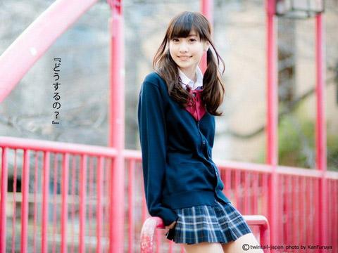 【美少女制服画像】見ているだけで癒やされる美少女アイドルの学校制服姿に萌えた 60