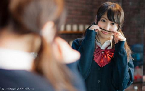 【美少女制服画像】見ているだけで癒やされる美少女アイドルの学校制服姿に萌えた 61