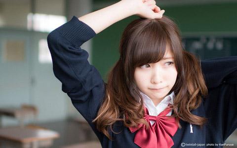 【美少女制服画像】見ているだけで癒やされる美少女アイドルの学校制服姿に萌えた 64
