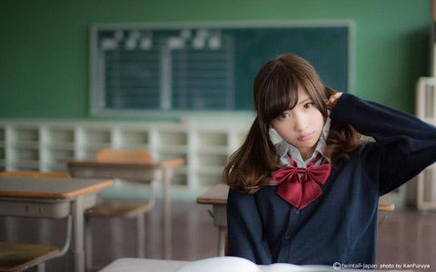 【美少女制服画像】見ているだけで癒やされる美少女アイドルの学校制服姿に萌えた 69