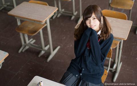 【美少女制服画像】見ているだけで癒やされる美少女アイドルの学校制服姿に萌えた 70