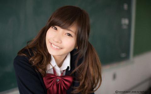 【美少女制服画像】見ているだけで癒やされる美少女アイドルの学校制服姿に萌えた 71