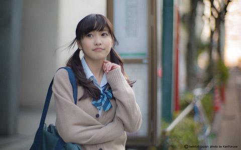 【美少女制服画像】見ているだけで癒やされる美少女アイドルの学校制服姿に萌えた 74