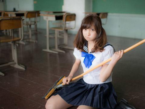 【美少女制服画像】見ているだけで癒やされる美少女アイドルの学校制服姿に萌えた 77