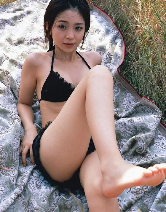 【秋山依里エロ画像】美少女キャラのコスプレで話題になった仮面ライダー女優 05