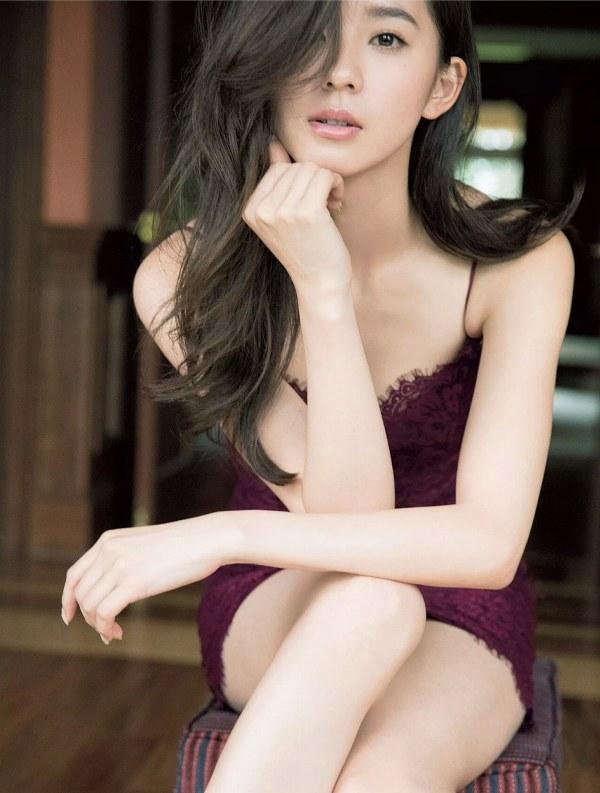 【朝比奈彩グラビア画像】ファッションモデルらしいスタイル抜群な長身ボディが映える! 20