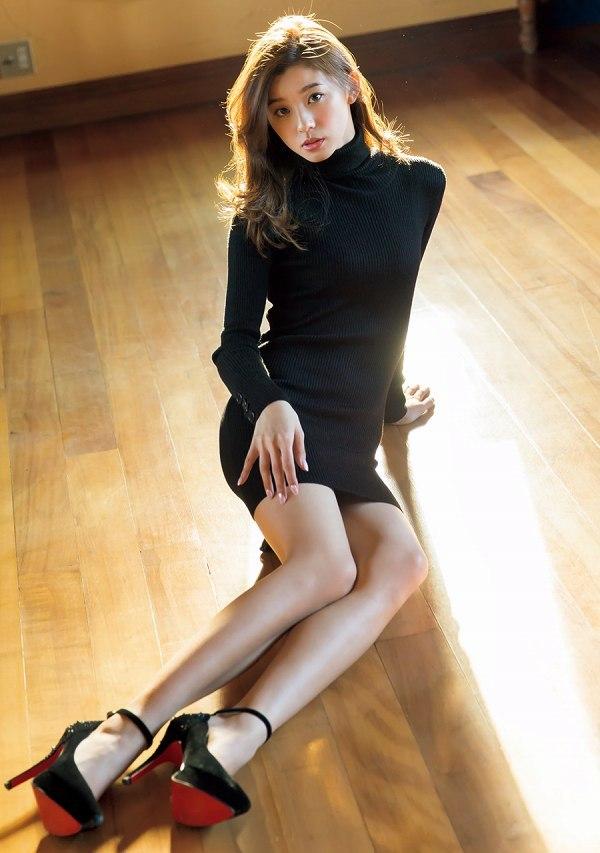 【朝比奈彩グラビア画像】ファッションモデルらしいスタイル抜群な長身ボディが映える! 68