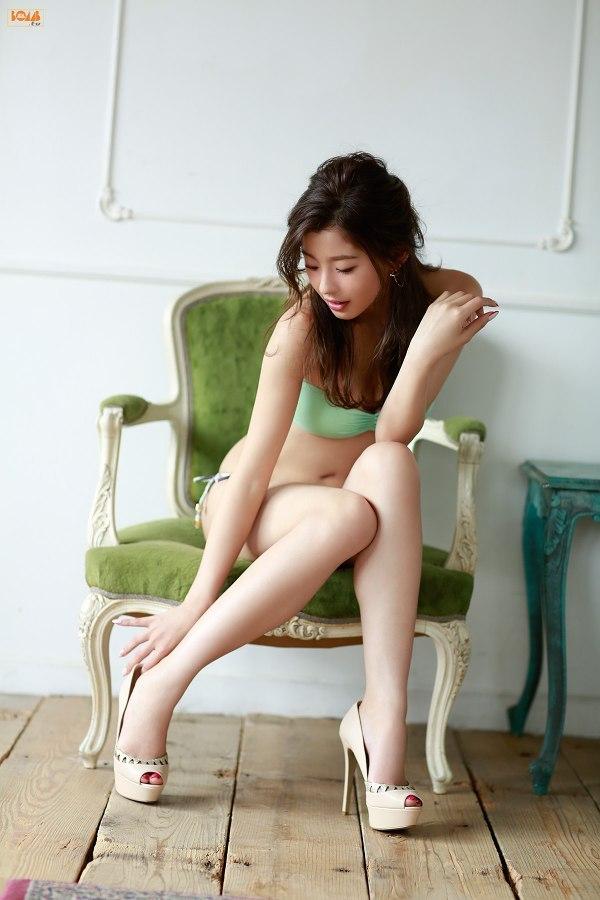 【朝比奈彩グラビア画像】ファッションモデルらしいスタイル抜群な長身ボディが映える! 73