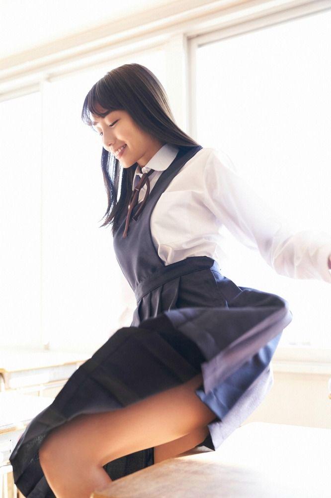 【黒木ひかりグラビア画像】現役高校5年生という凄い肩書を得てしまった美少女グラドルw 33