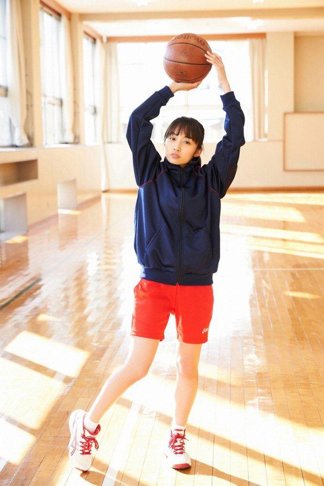 【黒木ひかりグラビア画像】現役高校5年生という凄い肩書を得てしまった美少女グラドルw 36