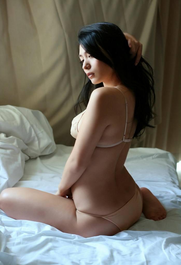 【川村ゆきえグラビア画像】先日グラドル卒業したEカップ美熟女のセクシー写真! 13