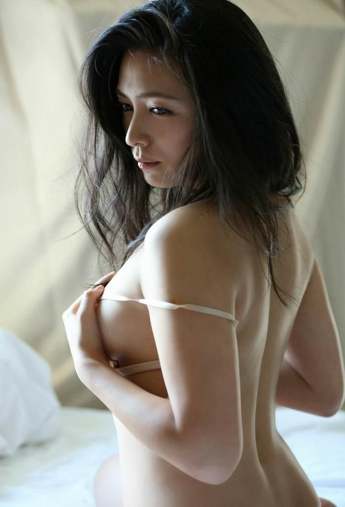 【川村ゆきえグラビア画像】先日グラドル卒業したEカップ美熟女のセクシー写真! 15