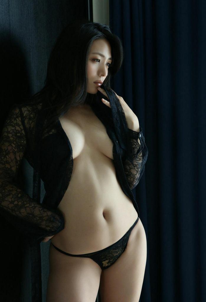 【川村ゆきえグラビア画像】先日グラドル卒業したEカップ美熟女のセクシー写真! 22