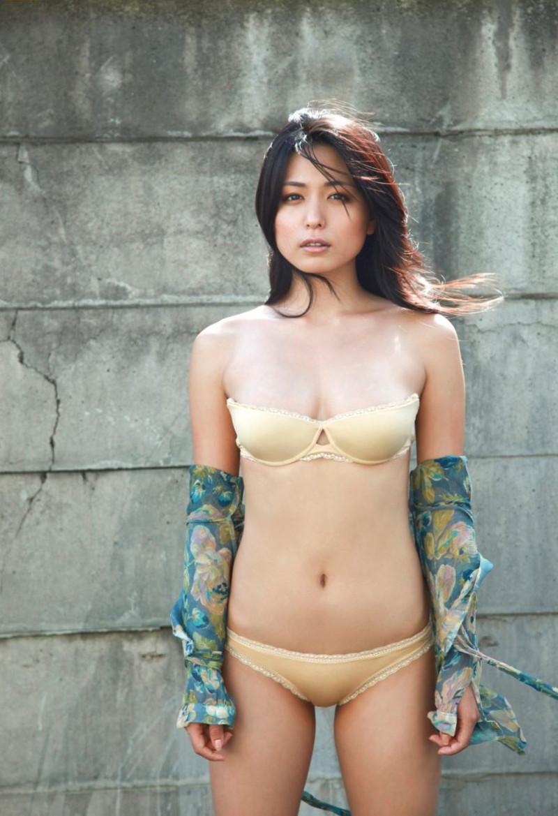 【川村ゆきえグラビア画像】先日グラドル卒業したEカップ美熟女のセクシー写真! 69