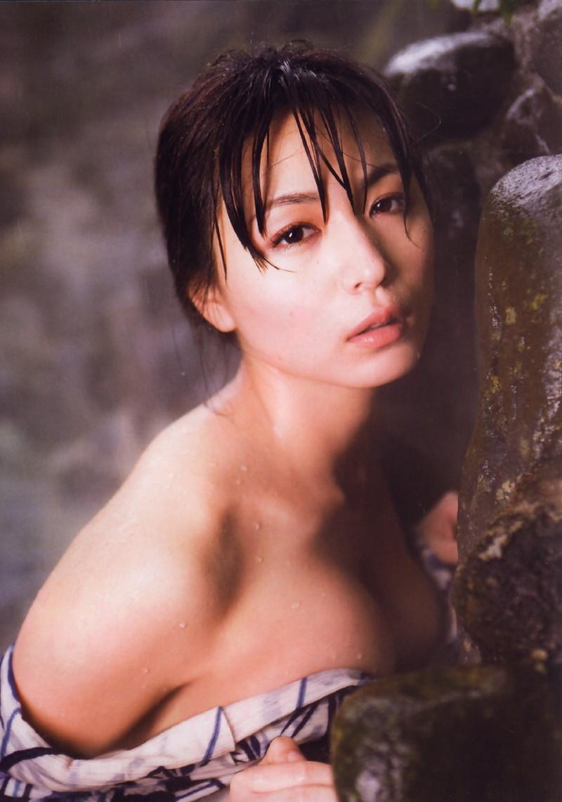 【川村ゆきえグラビア画像】先日グラドル卒業したEカップ美熟女のセクシー写真! 81