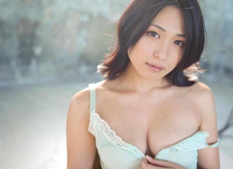 【川村ゆきえグラビア画像】先日グラドル卒業したEカップ美熟女のセクシー写真! 86