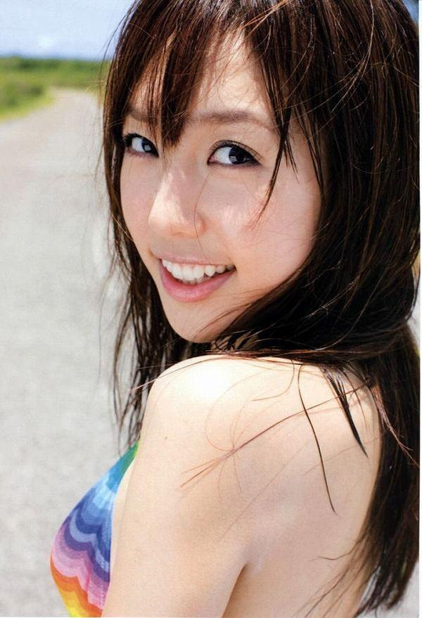 【川崎希グラビア画像】AKB48のチームAに所属していた実業家タレントのエロ画像! 16