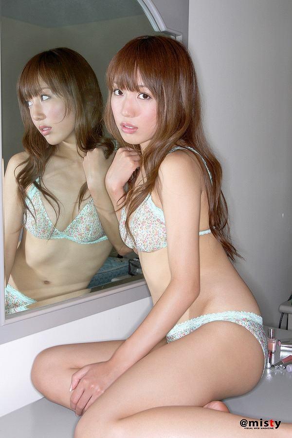 【川崎希グラビア画像】AKB48のチームAに所属していた実業家タレントのエロ画像! 65