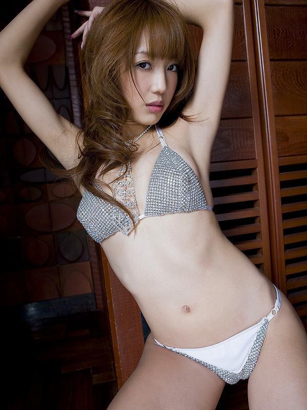 【川崎希グラビア画像】AKB48のチームAに所属していた実業家タレントのエロ画像! 80