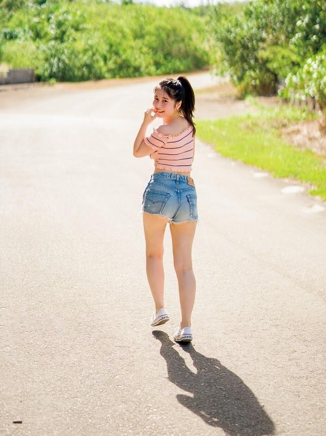 【大久保桜子グラビア画像】美肌美乳で人気上昇中の清楚系美少女が魅せる大胆ビキニ姿 11