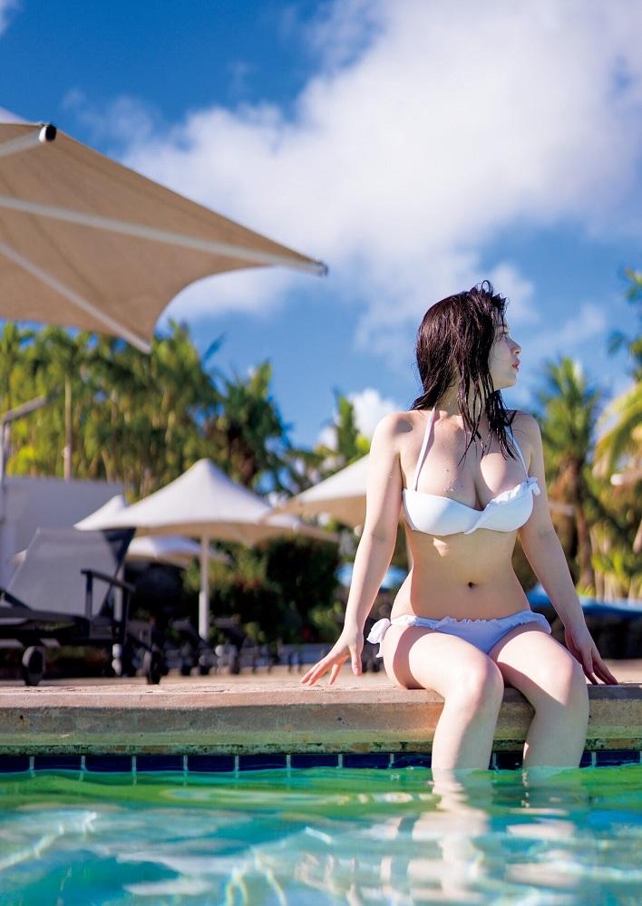 【大久保桜子グラビア画像】美肌美乳で人気上昇中の清楚系美少女が魅せる大胆ビキニ姿 23