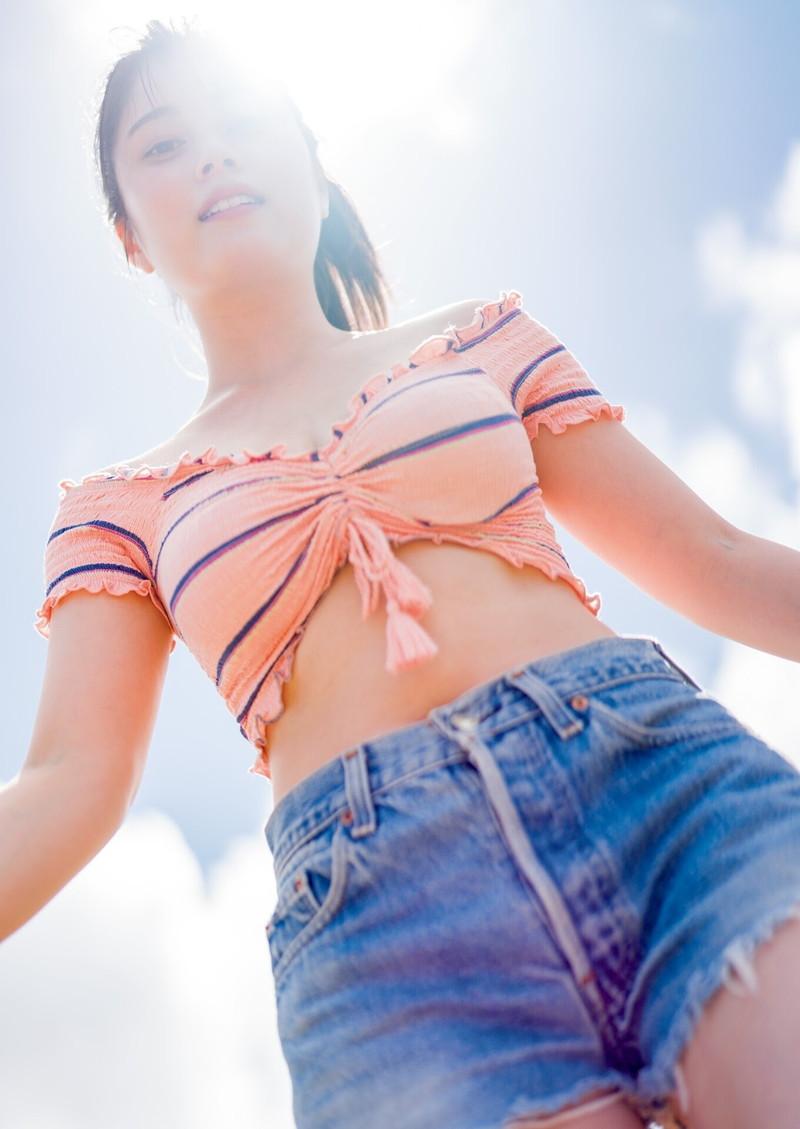 【大久保桜子グラビア画像】美肌美乳で人気上昇中の清楚系美少女が魅せる大胆ビキニ姿 76
